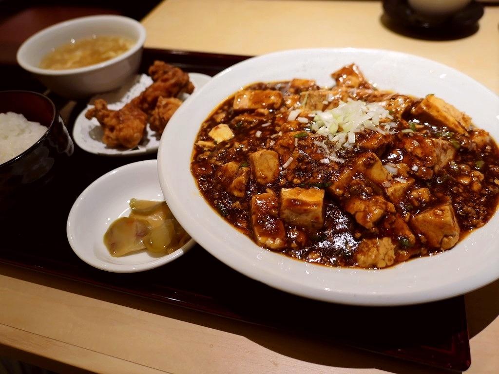旨みが濃厚な麻婆豆腐とモチモチ麺の焼きそばが絶妙にマッチした絶品麻婆焼きそば! 京都 「四川料理 洛楽 近鉄京都駅店」