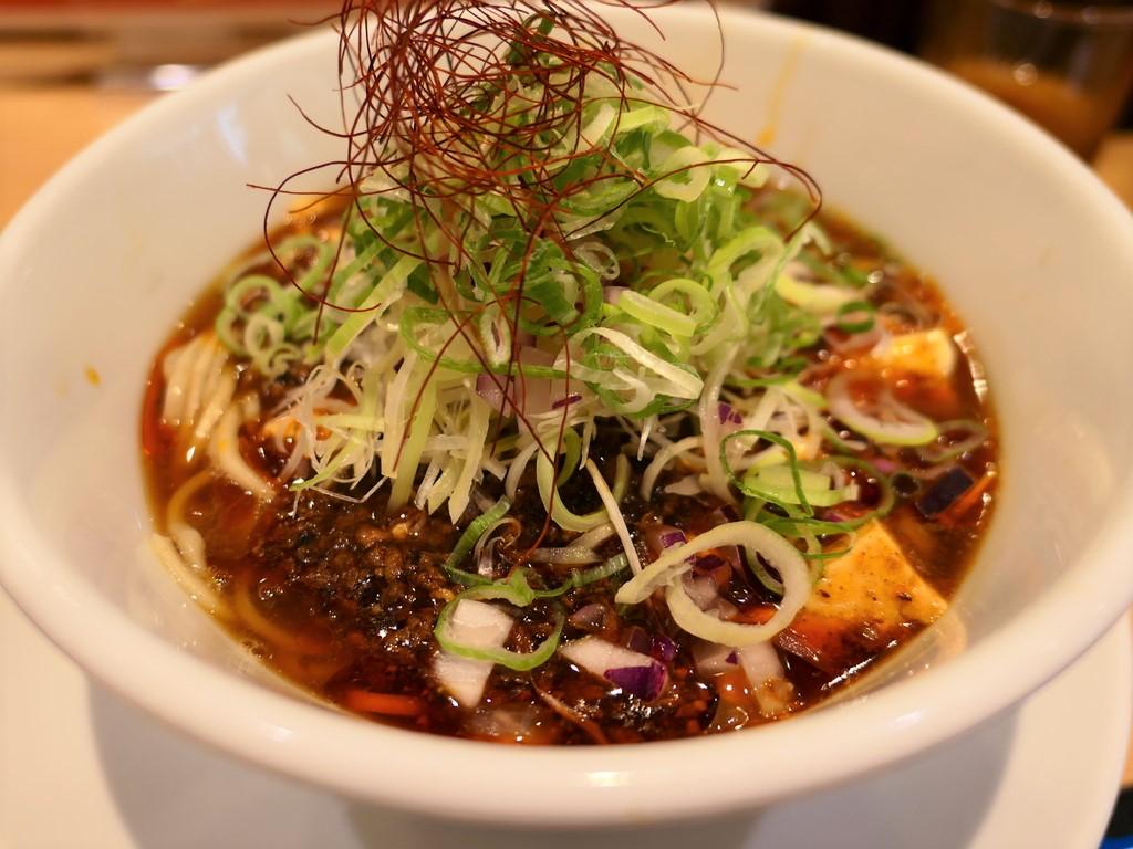 繊細な鯛出汁と濃厚な旨みの麻婆豆腐が一体となった期間限定の麻婆豆腐ラーメンは病みつき系の美味しさです! 淀川区西中島 「うまい麺には福来たる 西中島店」