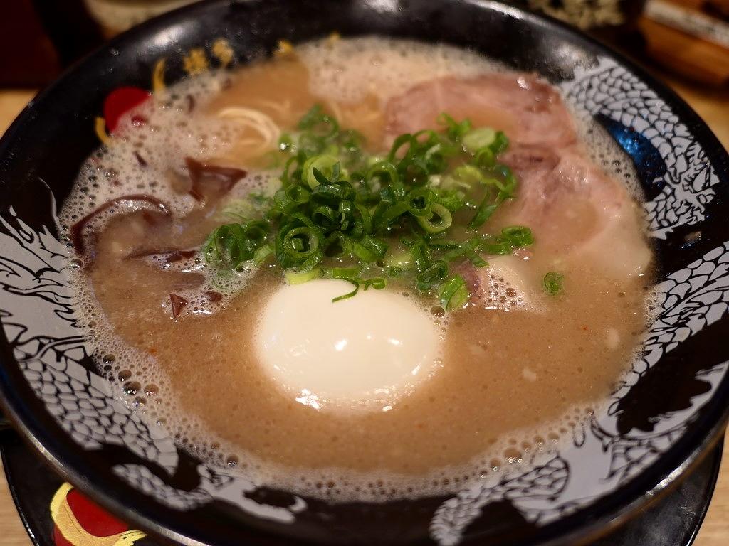 奇をてらわない正統派博多豚骨ラーメンがいただけます! 京都拉麺小路 「博多一幸舎 京都拉麺小路店」