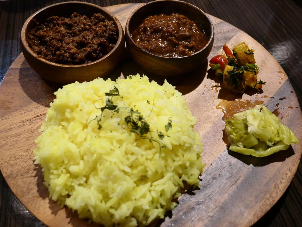 高槻の人気スパイスカレーの名店が西中島に移転リニューアルオープン! 淀川区西中島 「マサラ食堂」