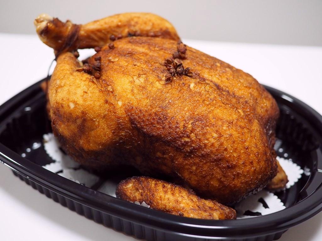 """今年もこの季節になりました!クリスマス限定!本格高級中華の味わいの絶品ローストチキン! """"大山鶏の香り蒸し"""" 心斎橋 「大成閣」"""