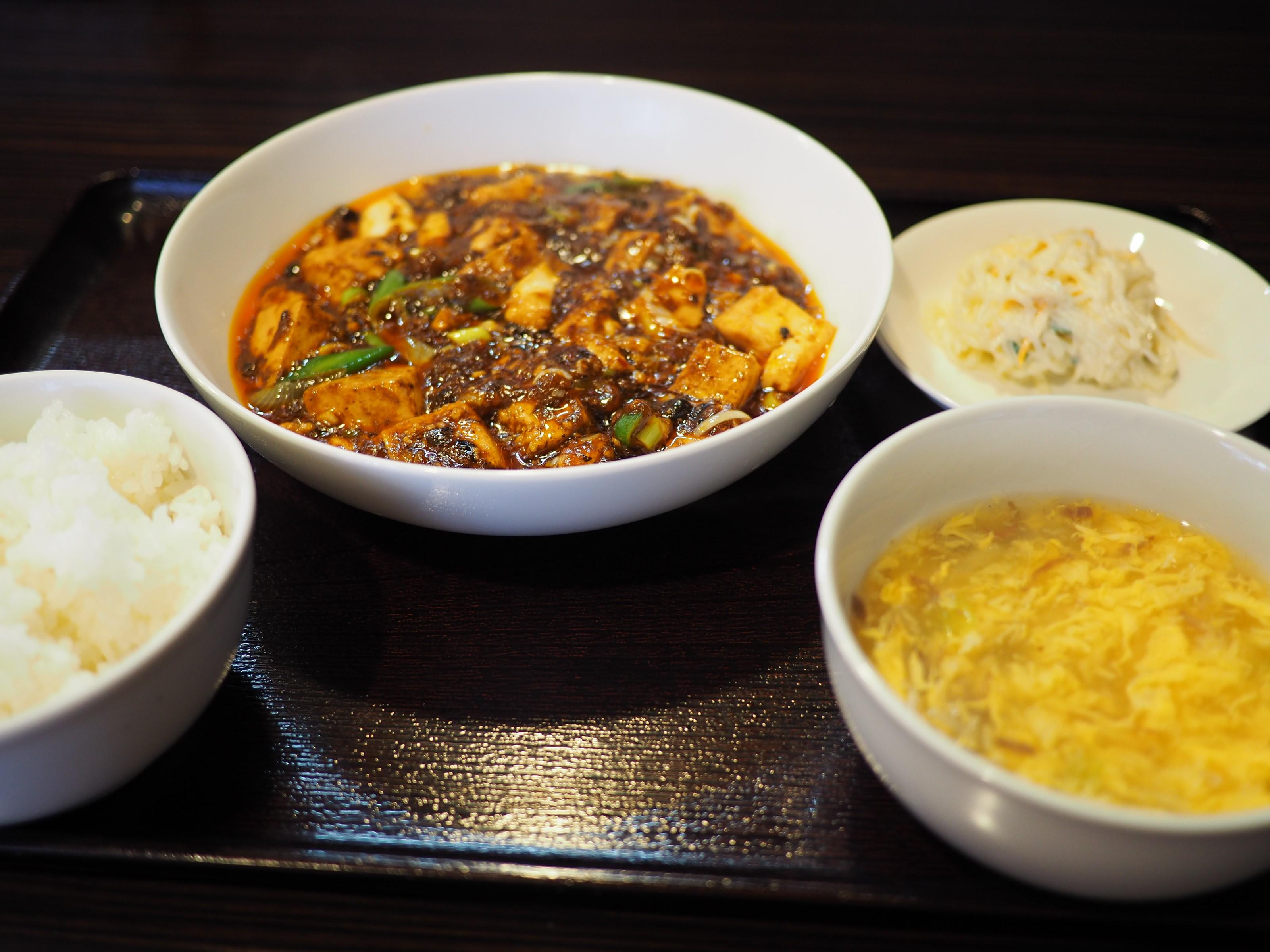 行列ができる大人気の四川麻婆豆腐ランチは癖になる味わいです! 西区立売堀 「中華食堂 チリレンゲ」