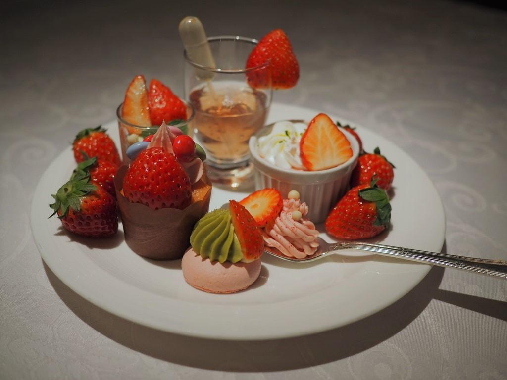 美味しさと可愛らしさと驚きが詰まった感動のストロベリーブッフェ! ザ・リッツ・カールトン大阪 「スプレンディード」