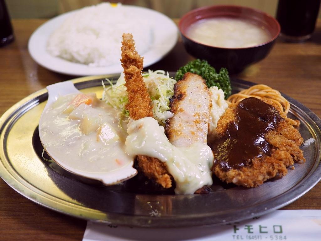 老舗洋食屋さんのとても良心的で満足感が高すぎるAランチ! 福島区 「グリル ニュートモヒロ」