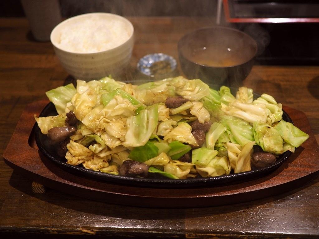 超ジャンクで癖になる味の博多のソウルフードが大阪でも食べられます! 北区曽根崎 「びっくり焼亭 梅田本店」