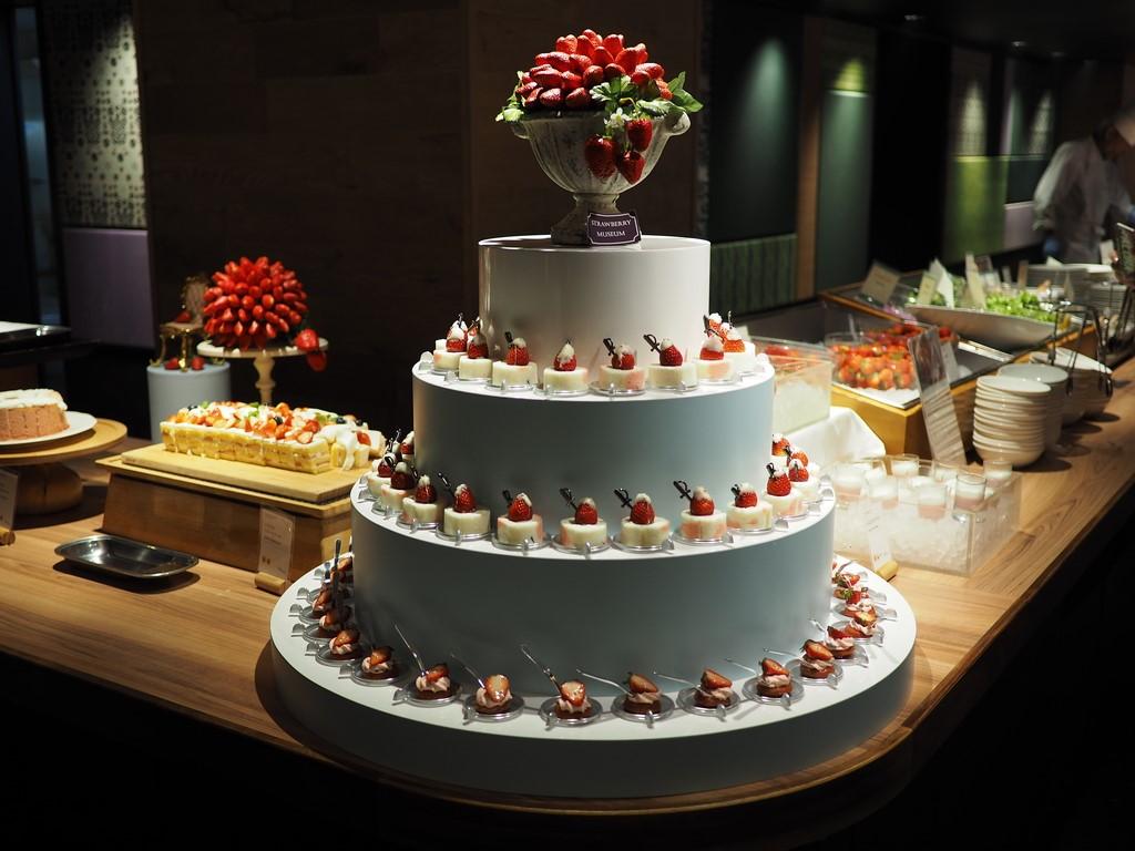 可愛くて美味しいいちごスイーツをお腹いっぱい食べてとてもリーズナブルで満足感が高すぎるホテルのいちごビュッフェ! 京都タワーホテル 「タワーテラス」