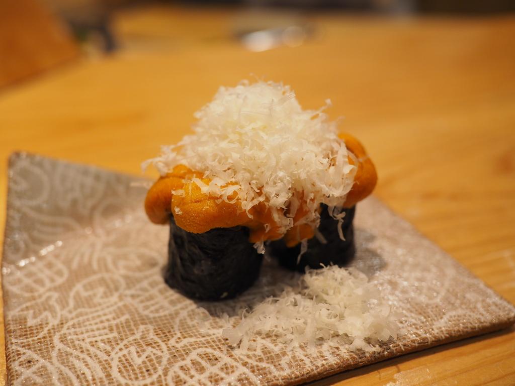正統派江戸前寿司をベースに独自の発想をプラスした創作系が感動的に旨い! 福島区 「鮨 永吉」