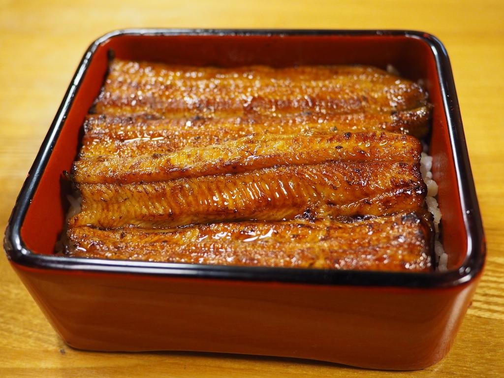 東京駅のすぐ近所で並ばずに老舗の本格江戸前鰻が楽しめます! 東京八重洲 「鰻 はし本」