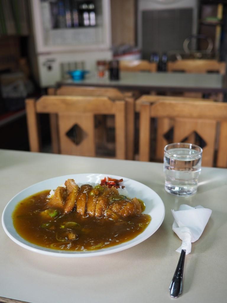 """京都の老舗食堂のいつ食べても変わらぬ味の名物 """"皿盛"""" は昭和の懐かしさが漂う味わいです! 京都市東山区 「篠田屋」"""