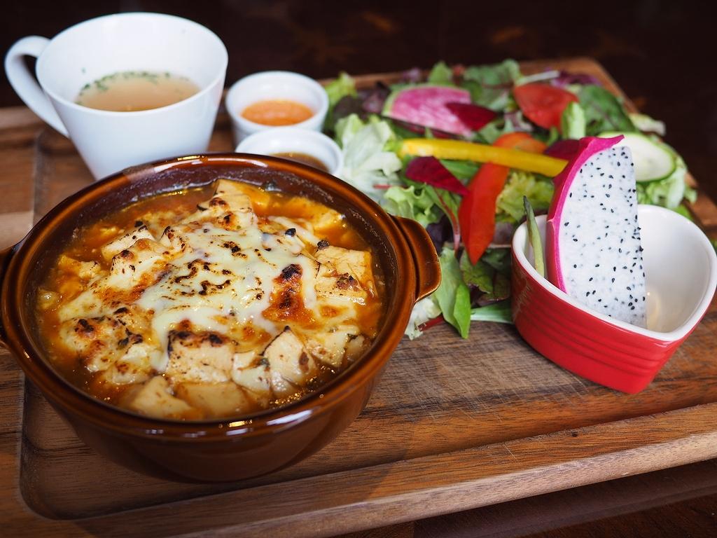 お洒落なカフェでいただく今話題の『麻婆×チーズ』ランチは美味しくてヘルシーで満足度が高すぎます! 守口市 「Cafe and Bar on℃ -温度-」