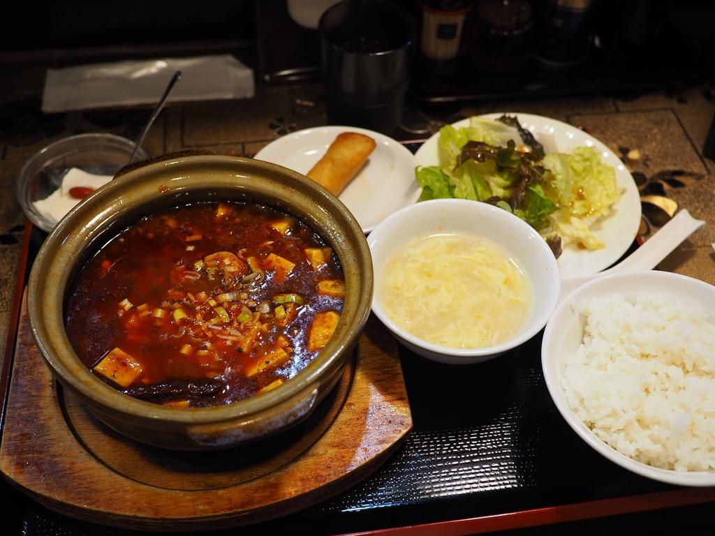 チャレンジングな立地で美味しくて安くてボリューム満点のとても良心的な中華料理店! 天満 「四川料理 鴻成 (こうせい)」