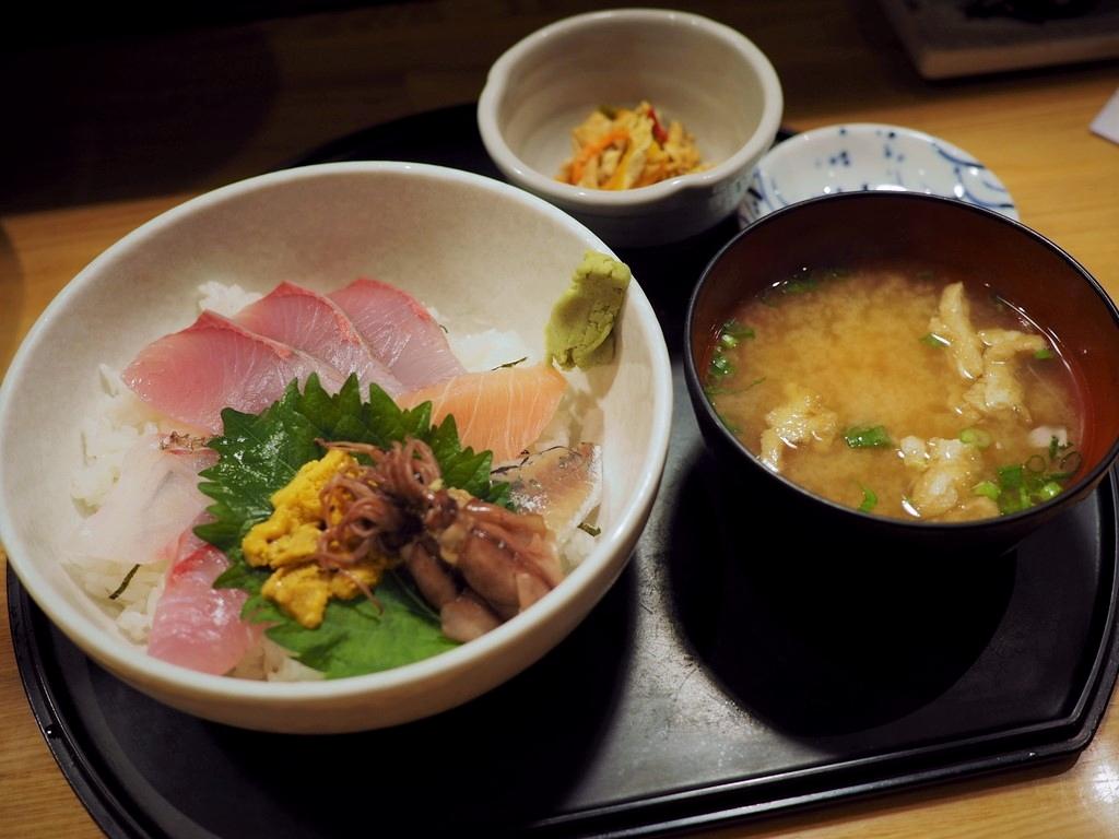 市場内の人気居酒屋でちょっと贅沢な朝ごはん! 福岡市中央区 「博多魚がし 市場会館店」