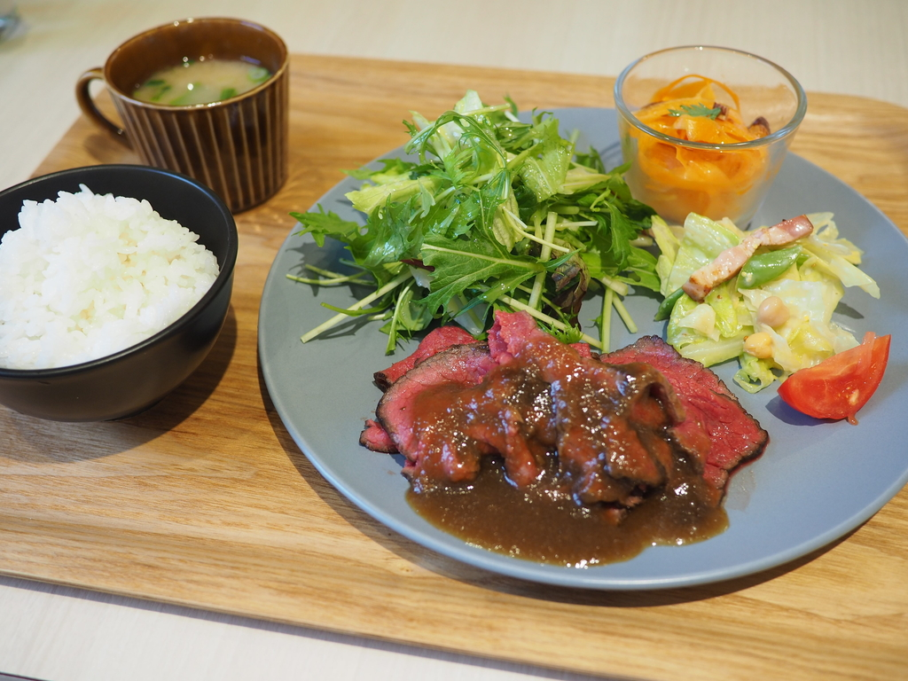 JA兵庫六甲直営の新鮮野菜とお惣菜の食べ放題付きランチは満足感がとても高いです! 神戸市東灘区 「御影キッチン」