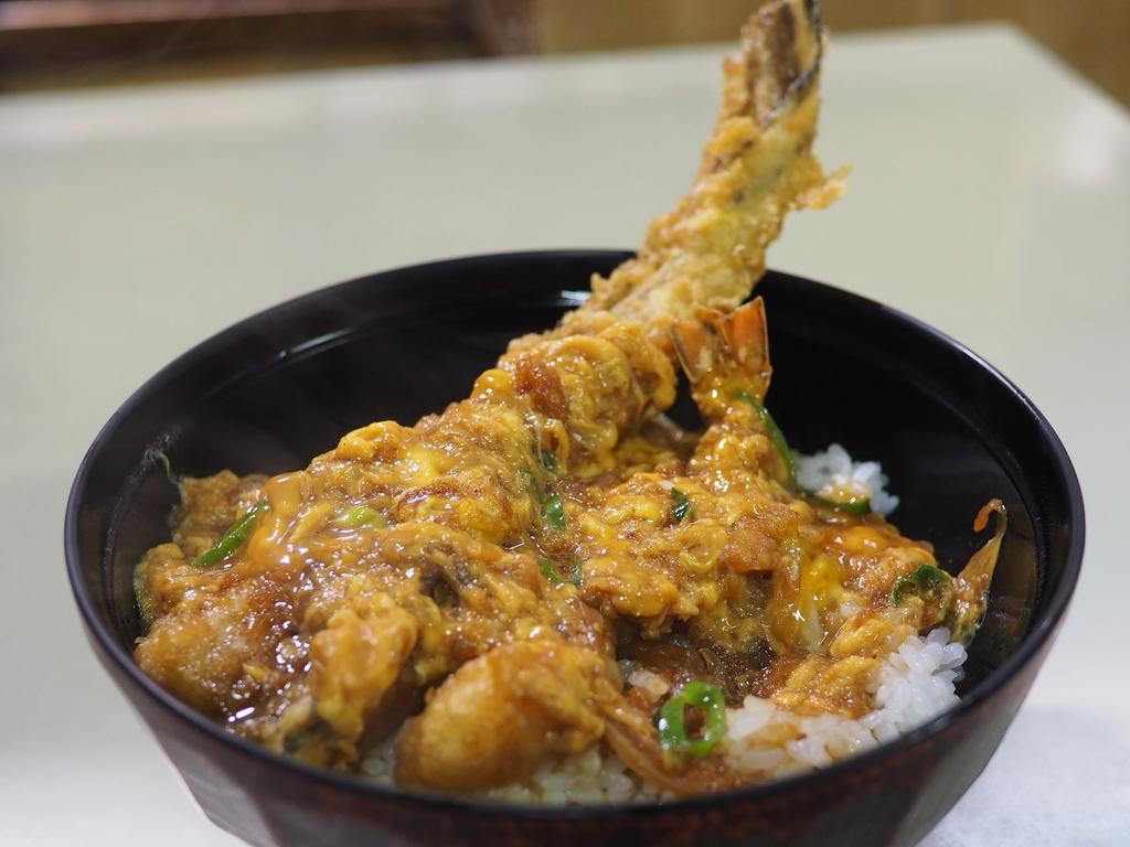 朝から美味しい天丼が食べられる地元で大人気の市場の食堂! 広島市中央卸売市場 「天狗家」