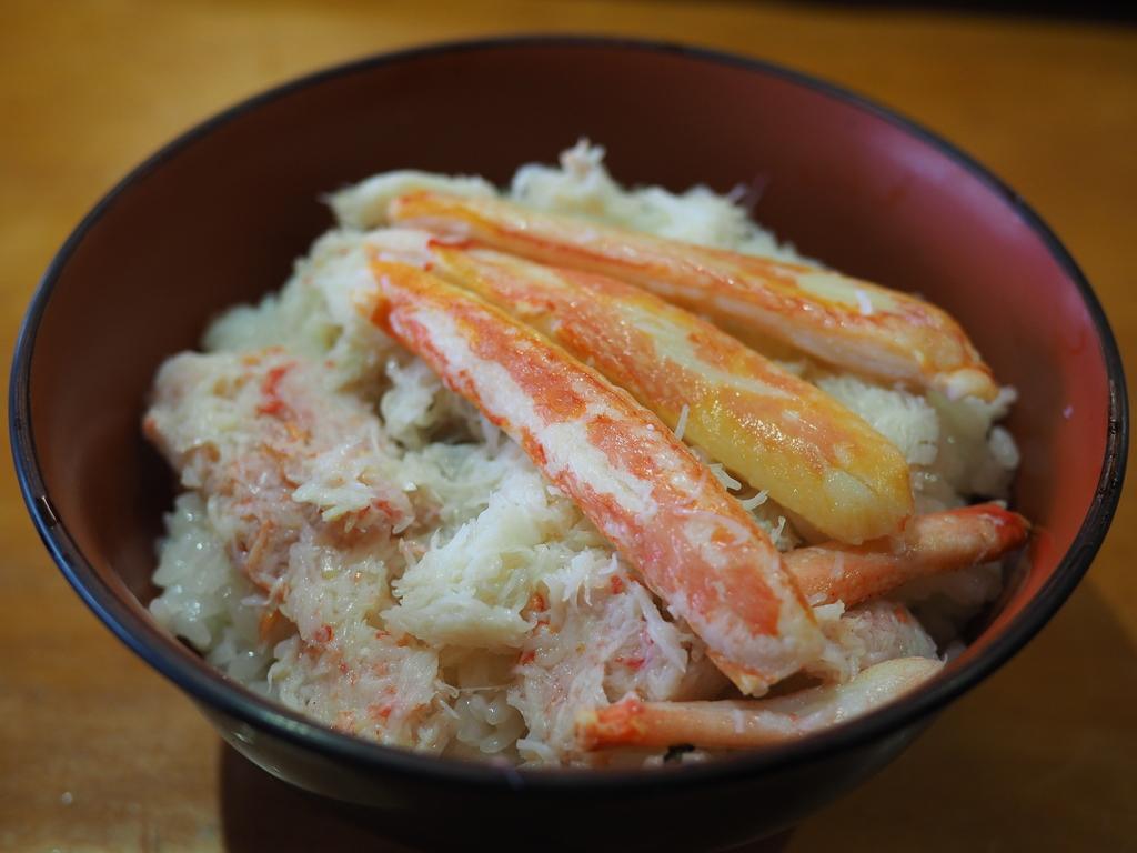 雨が降っても大行列が出来る余市の超人気海鮮料理店! 北海道余市郡 「柿崎商店」