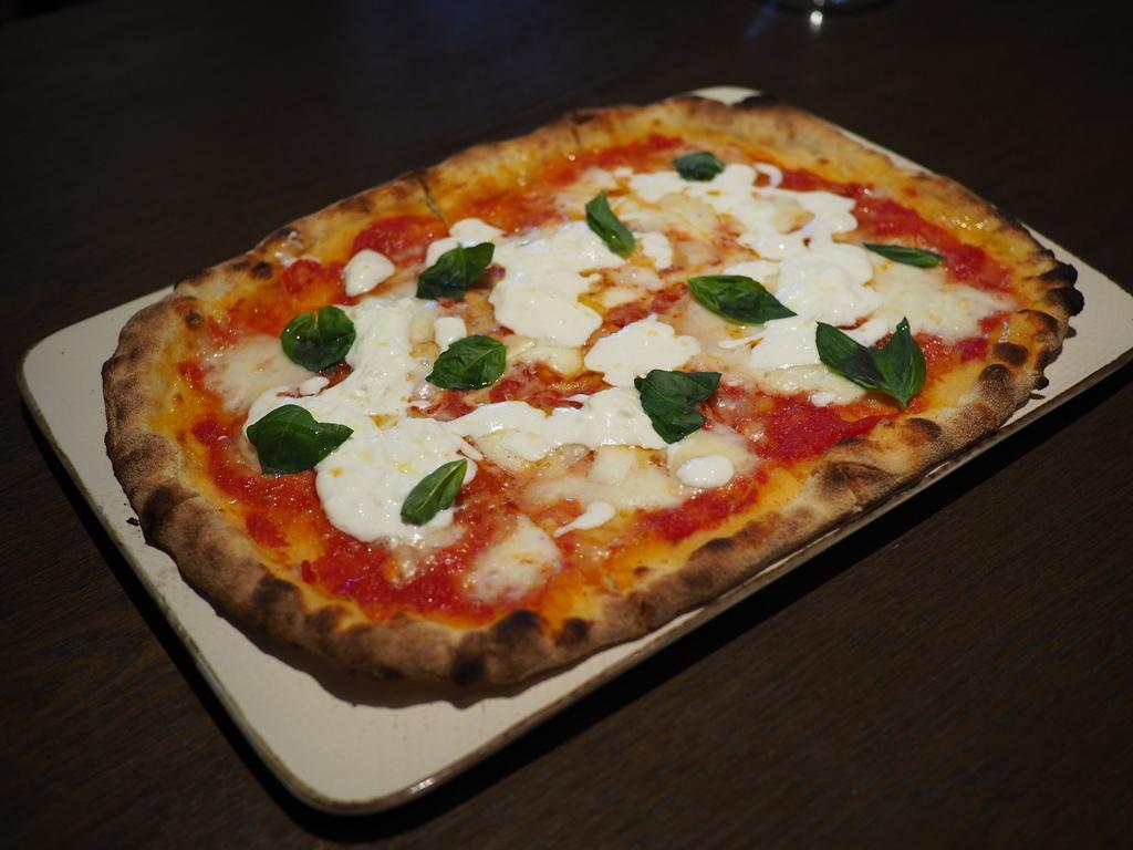 イタリアから冷蔵空輸で取り寄せる本物のフレッシュモッツァレラチーズを始めとしてあらゆるチーズ料理が絶品です! ハービス PLAZA ENT 「オービカ モッツァレラバー 梅田店」
