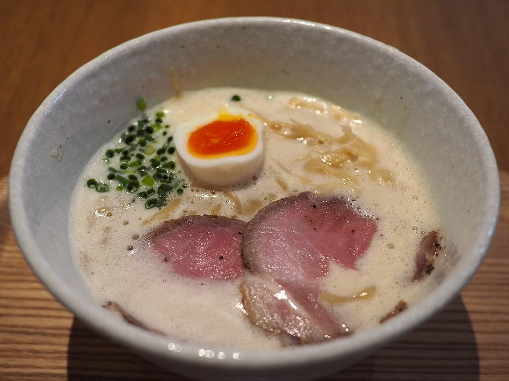 あべのHoop地下にオープンしたフードコートで奈良の大行列店の絶品ラーメンがお手軽に食べられるようになりました! 天王寺 「ラーメン家 みつ葉 あべの出張所」