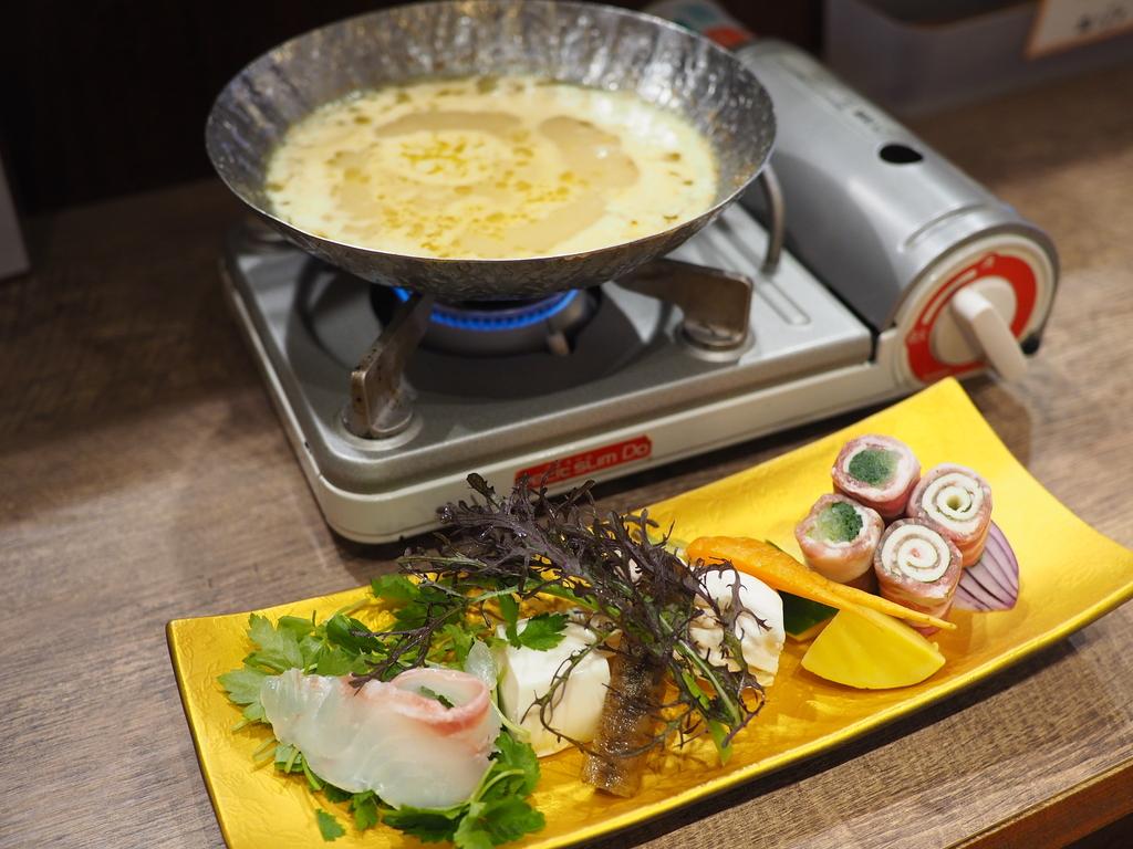雲丹料理専門店の名物雲丹鍋ランチは美味しくてボリューム満点で満足感が高すぎます! 中津 「うに吉」
