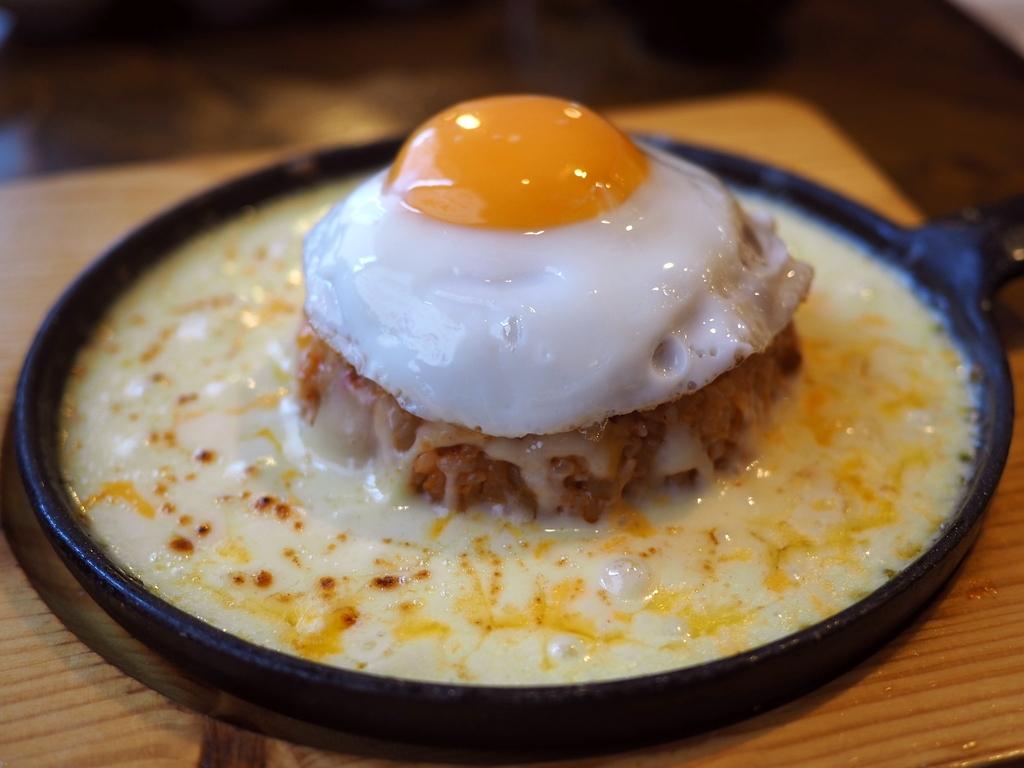 外来流行食の最先端を行く新大久保で悩ましすぎる韓国料理とチーズの組み合わせランチ! 東京都新宿区 「モンナンカムジャ」