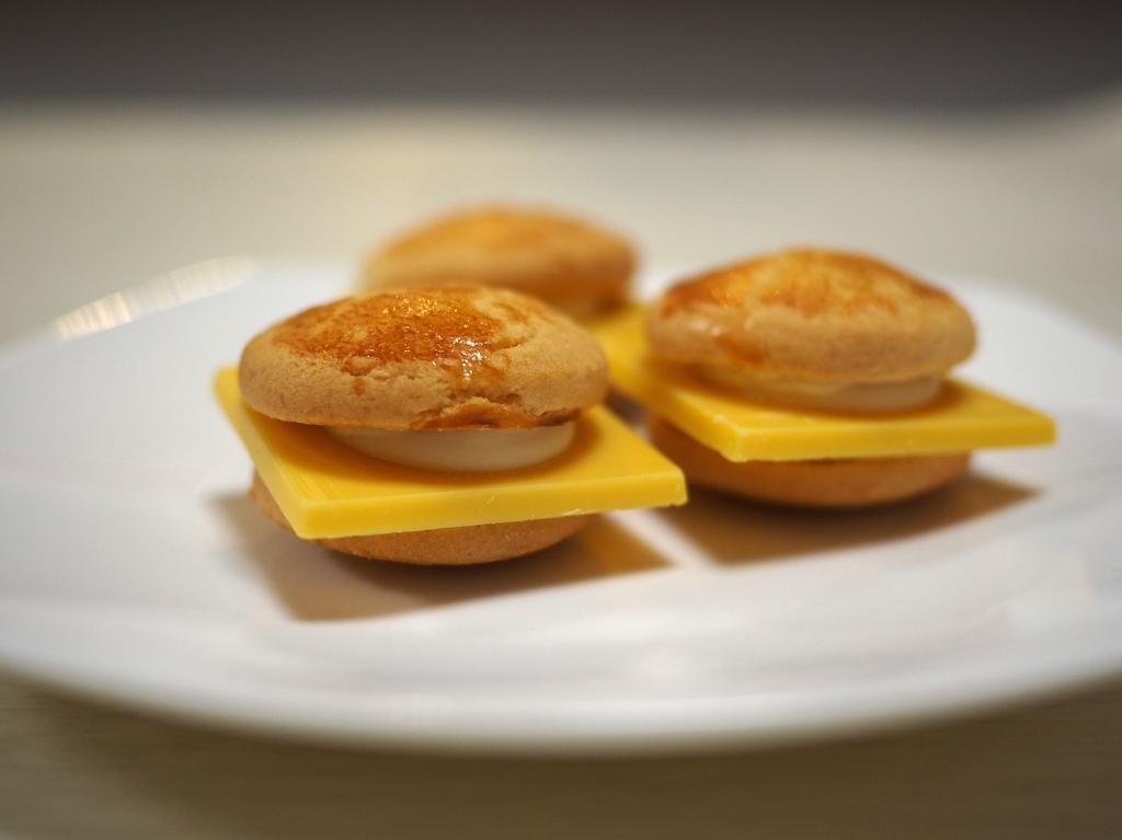 Mのおやつ チーズとチョコレートの甘じょっぱい味にハマります! 東京駅 「マイキャプテンチーズTOKYO」
