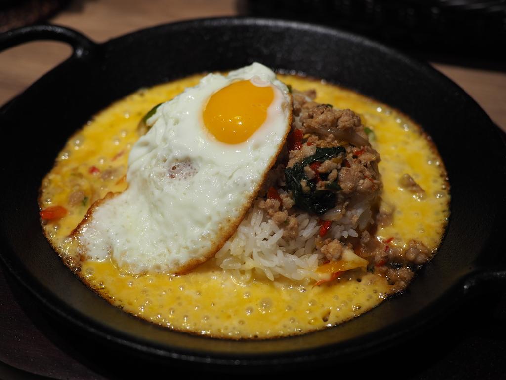 ガパオライスとトロトロチーズが一体化したタイ料理が楽しめるお店がオープンしました! 梅田 「東京ガパオ LINKS UMEDA店」