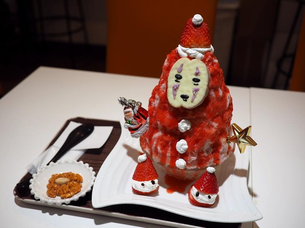 久しぶりの外食は体の芯から温まるかす汁とクリスマスバージョンのかき氷で大満足!! 谷町四丁目 「麺とかき氷 ドギャン 谷四店」
