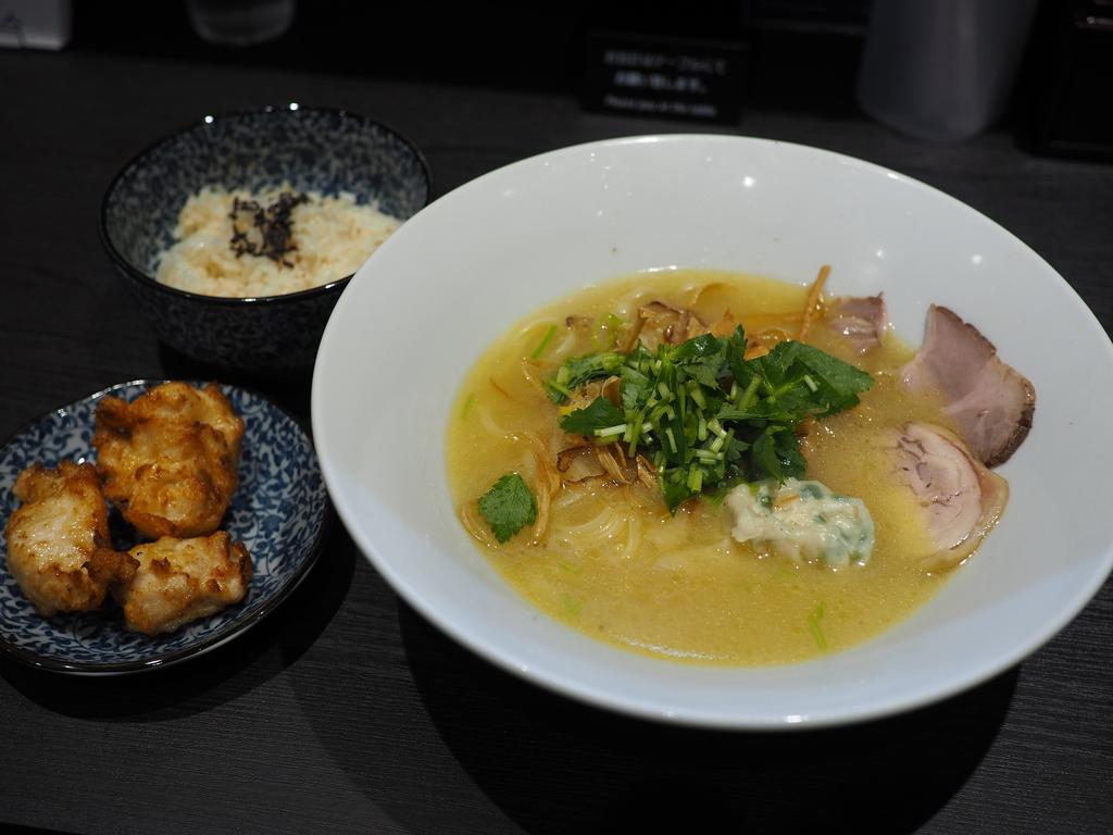 魚屋さんの鯛白湯と焼鳥屋さんの鶏白湯を合わせたW白湯ラーメンのお店がオープンします! 豊中市 「白湯製人」