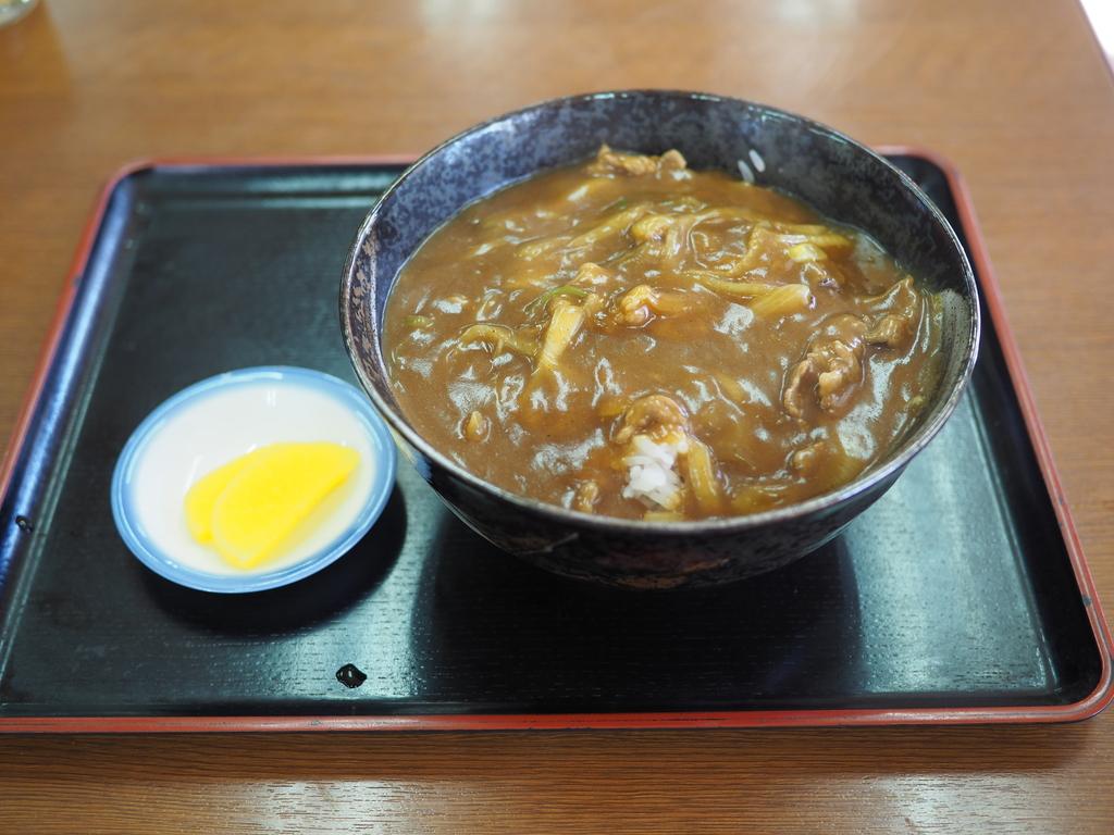 地元で絶大に支持される昔ながらの食堂で念願のカレー丼! 東大阪市 「ミズハ食堂」