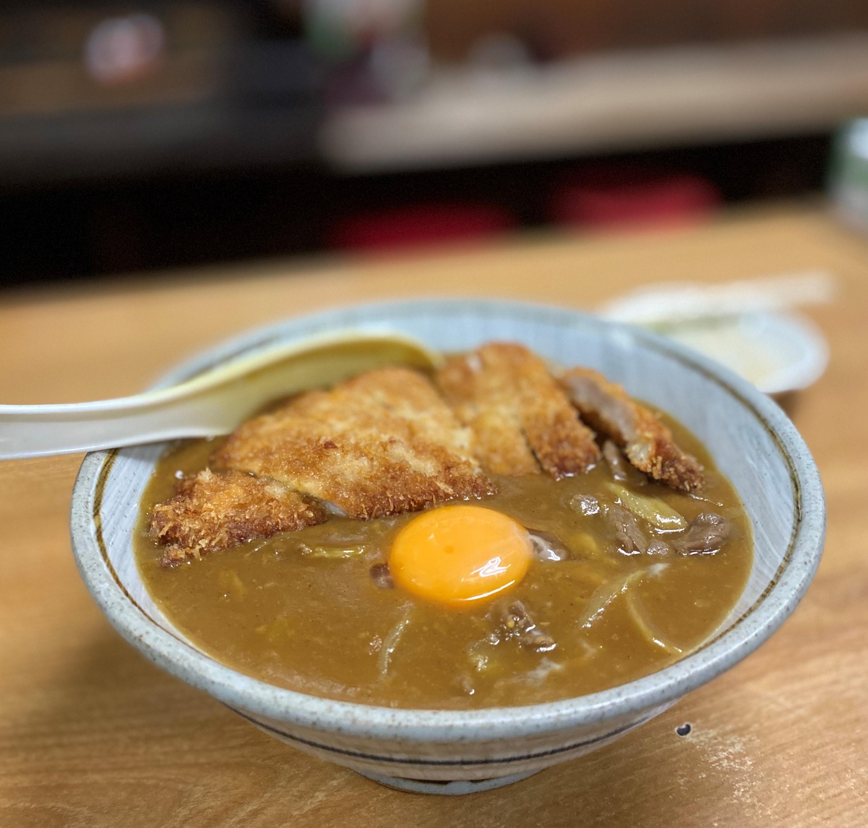 都会のど真中にポツンと佇む昭和の食堂のカツカレー丼はお出汁がよ~く効いて旨い! 南船場 「芦池更科」
