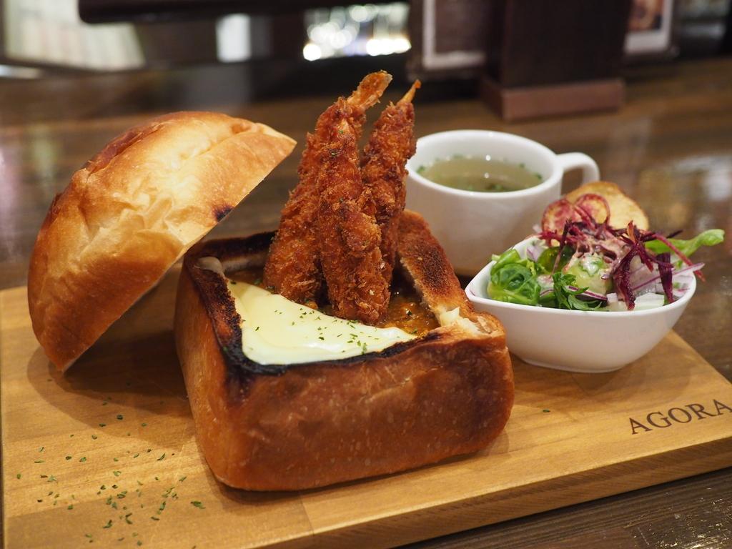 パンもカレーもエビフライも全部美味しい箱パンは満足感が高すぎます! 西田辺 「AGORA」