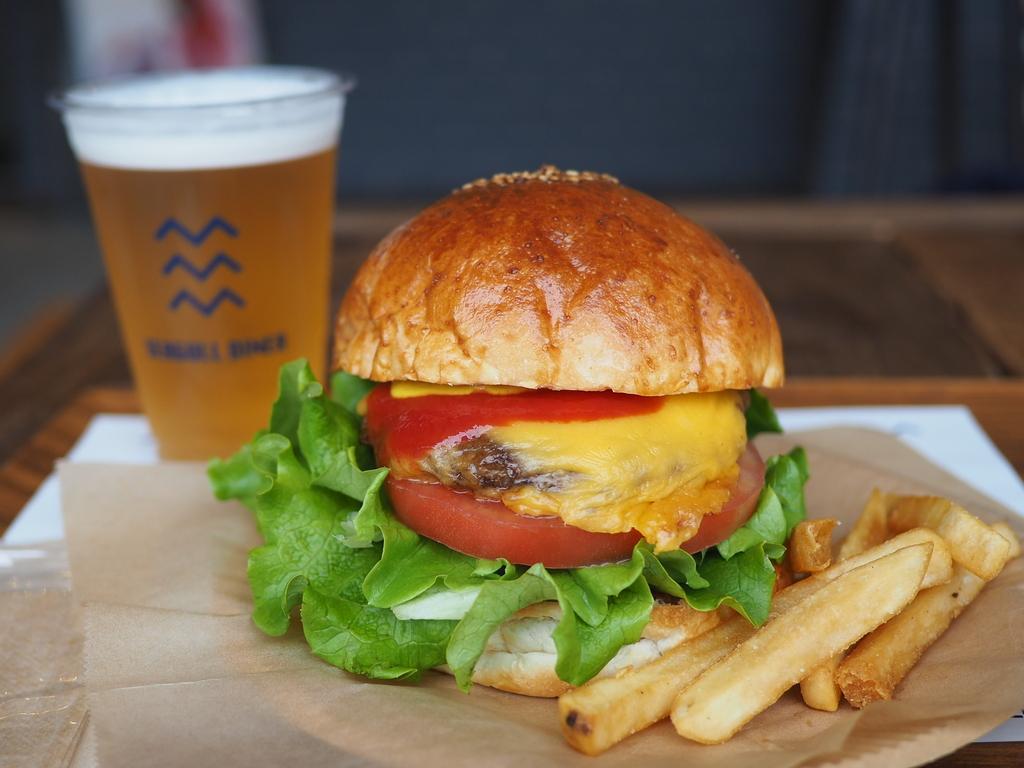 話題のスポットで絶品ハンバーガーと休日昼ビールを楽しんできました! 大正区 「SEAGULL DINE(シーガルダイナー)」