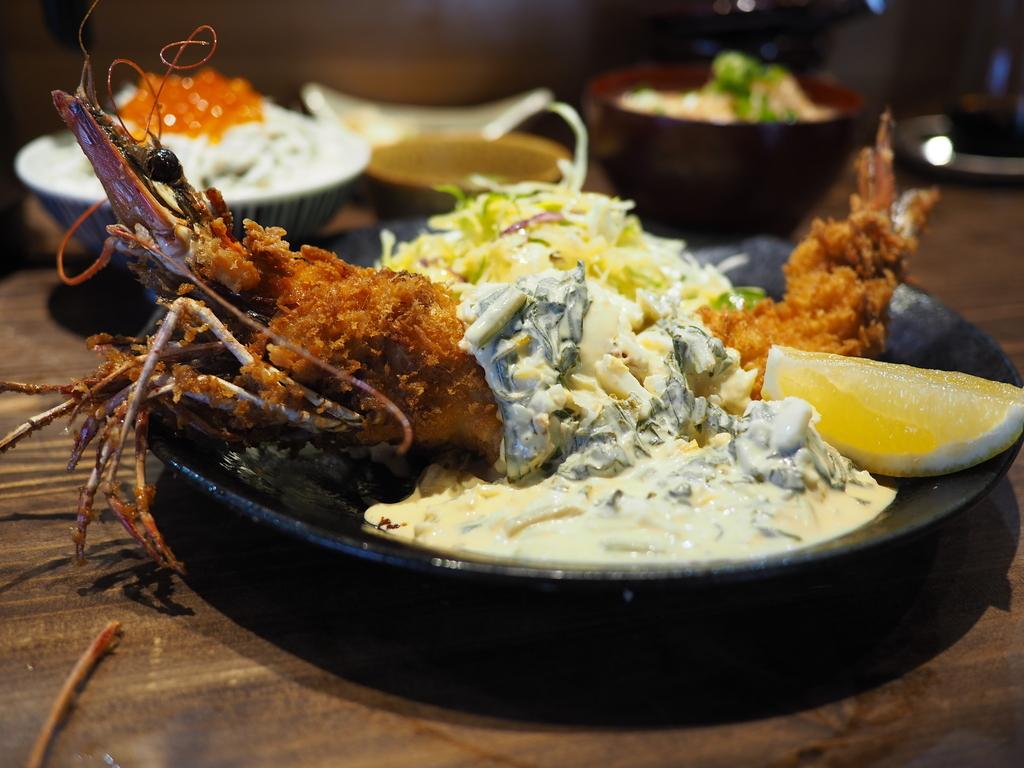 福島で大人気のタコ料理のお店がランチ営業開始!度肝を抜かれるほど巨大な大海老フライに大満足! 福島区 「多幸屋3組」