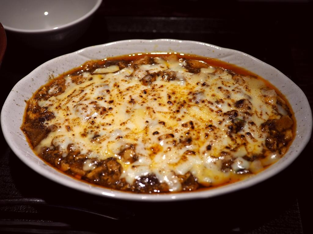 一度食べたら間違いなく病みつきになる期間限定の『チーズカレー麻婆豆腐』! 天神橋4丁目 「黒龍天神樓」