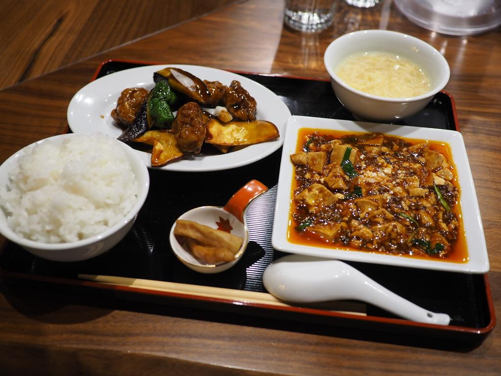 ビルの2階の隠れ家中華のランチは麻婆豆腐+選べる1品で満足感が高いです! 北浜 「ましの軒」