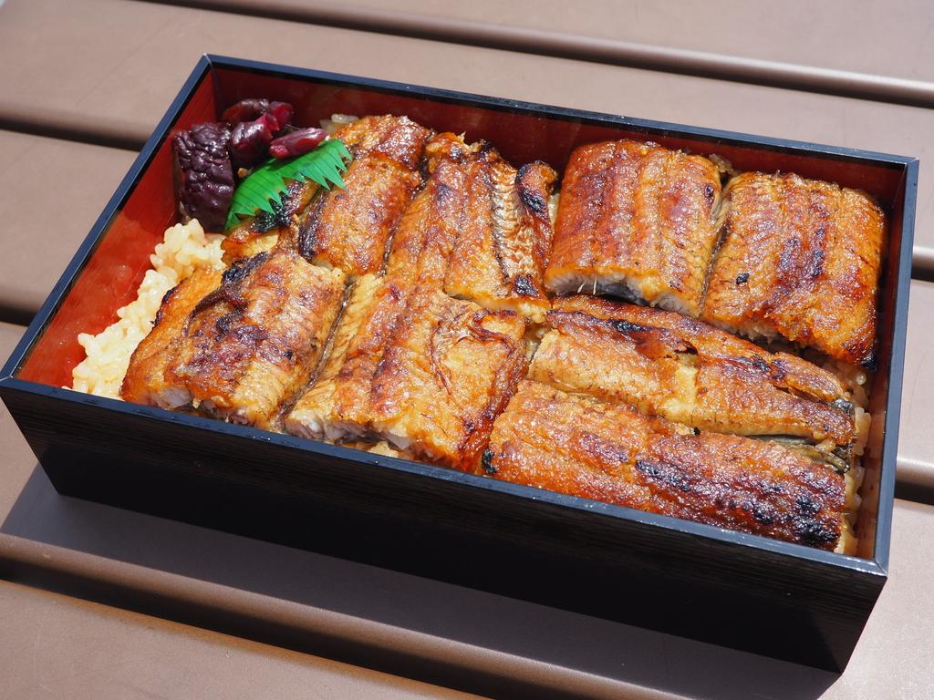関西風地焼き鰻の最高峰のうな重と蒲焼きがテイクアウトできます! 高槻市 「旬菜旬魚 きくの」