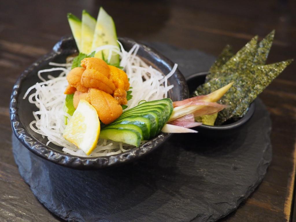 久しぶりに大好きな昼飲みパラダイスに行ってきました! 江坂 「明石八 江坂店」