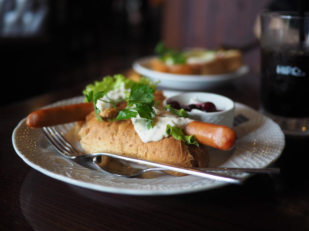 朝から広い店内がびっしり満席&ウェイティングの超人気カフェ! 箕面市 「ヒロコーヒー 箕面小野原店」