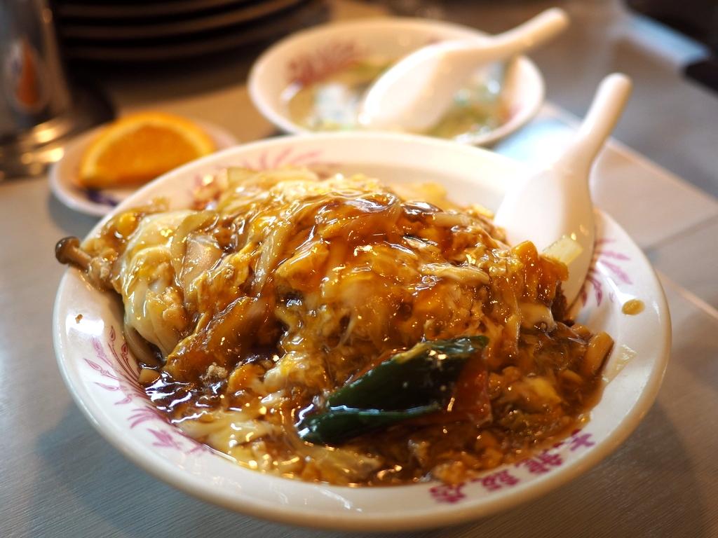 濃いぃくてちょっとジャンクで癖になる味わいの中華風カツ丼! 東大阪市 「大龍飯店」