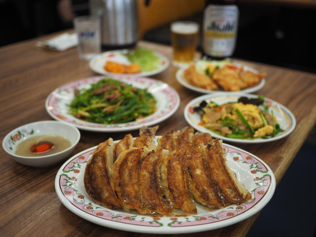 売上日本一の王将は24時間営業なので休日の朝飲みが楽しめます! 豊中市 「餃子の王将 空港線豊中店」