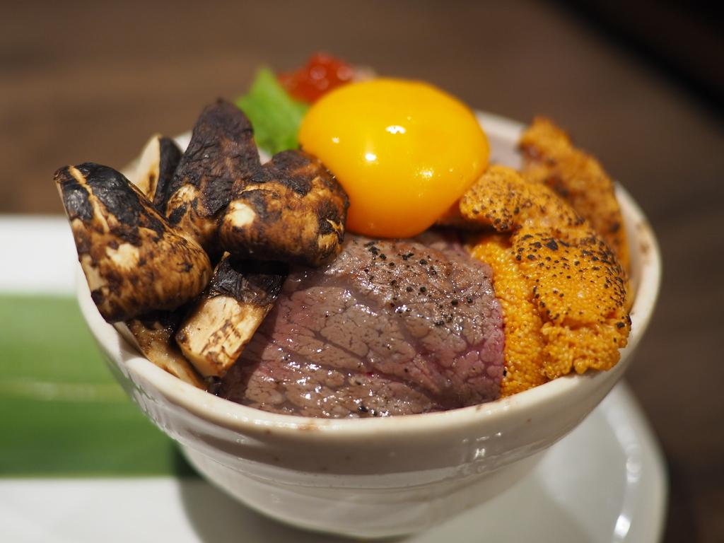 松茸フェアーの絶品松茸料理をいただきながら休日の昼飲みが楽しめます! 玉造 「活旬 大枡」