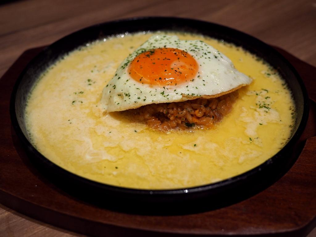 チーズ好きにはたまらないチーズ料理とチーズスイーツのお店がオープンしました! 枚方市 「チーズと生はちみつ BeNe くずはモール」