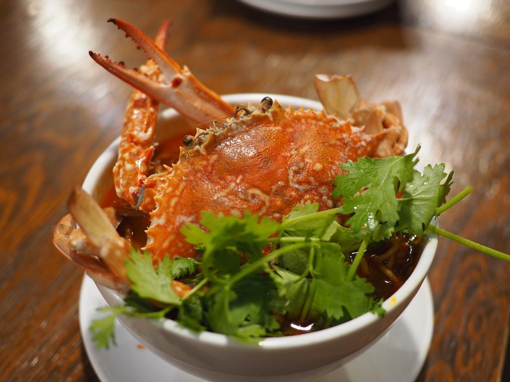 本格的な味わいの台湾屋台料理がとてもリーズナブルに食べられる使い勝手抜群のお店で休日の昼飲み! お初天神通り商店街 「金満食堂」
