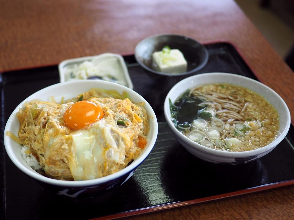 地元で絶大に支持されている食堂で唸るほど美味しいかつ丼セット! 北区天満 「一富士食堂」