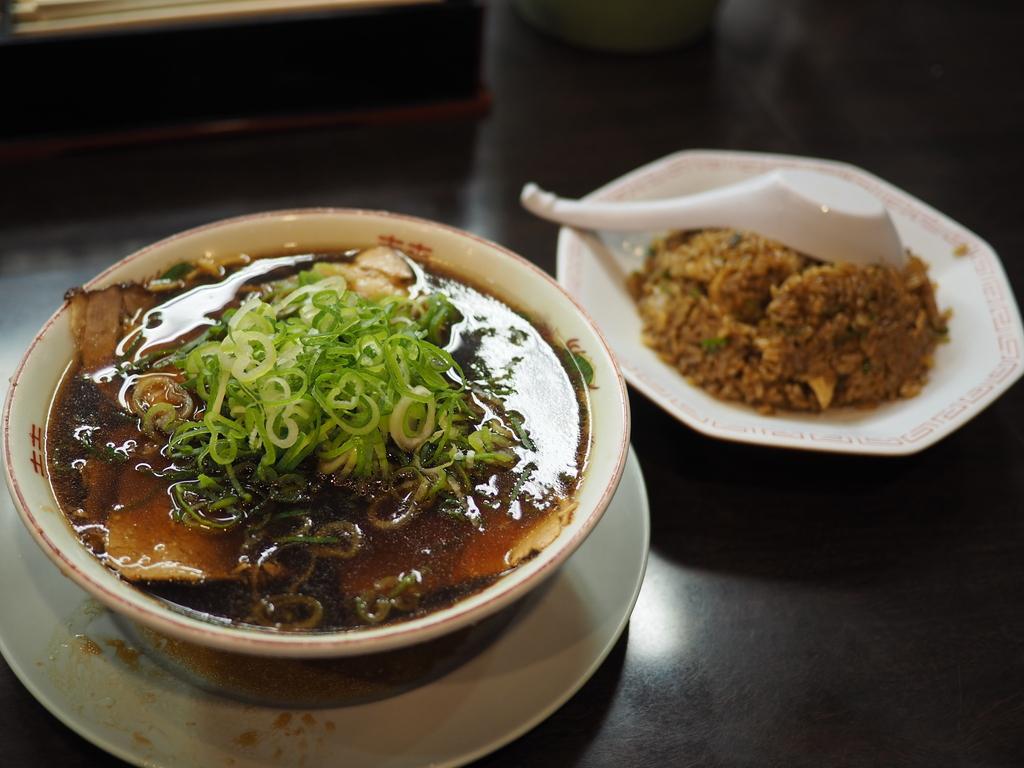 体が無性にジャンクなものを欲していたので・・・ 京橋 「新福菜館 KiKi京橋店」