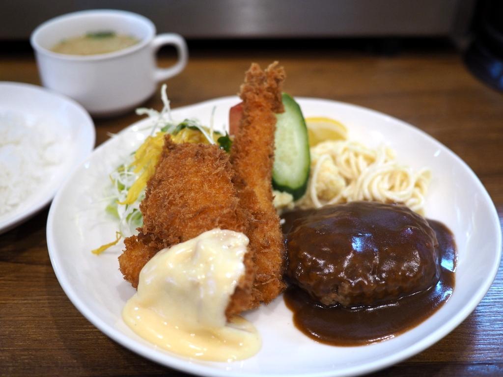 地元で愛される老舗洋食屋さんの絶妙な組み合わせのAセット! 京橋 「レストランかめや」