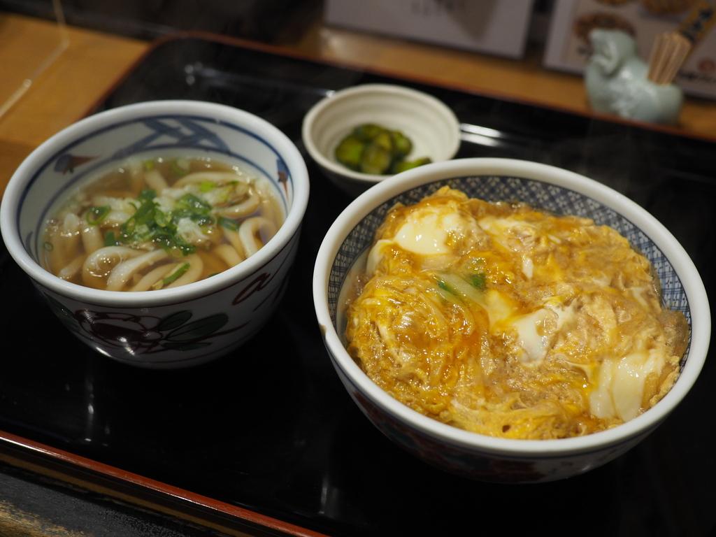 お出汁がしっかり効いたかつ丼が抜群に美味しい大人気のうどん屋さん! 福島区 「小麦や」