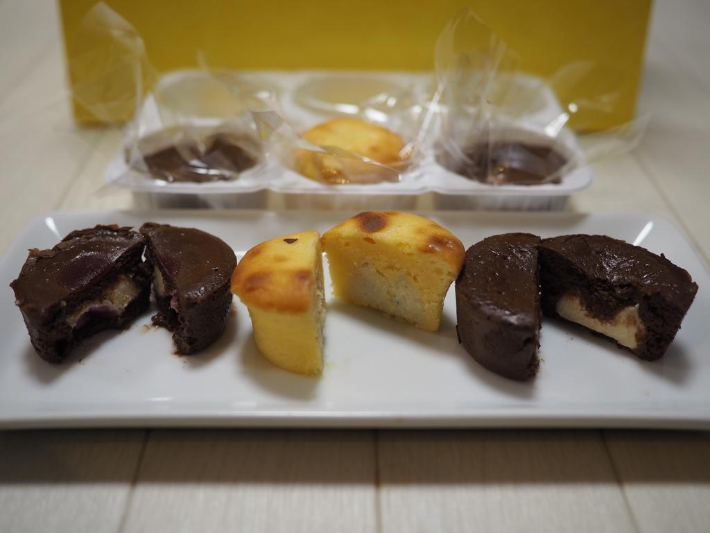 チョコレート×チーズ!甘じょっぱさがたまらなく美味しいです!チーズ好きはバレンタインデーにもらったらめちゃくちゃ嬉しいです(^^ 「Cheese Cheese Chocolate Cheese」