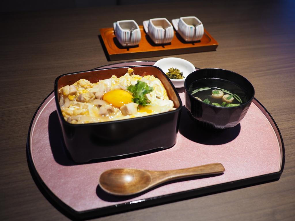 鹿児島県のブランド鳥『さつま極み鶏大摩桜(だいまおういまおう)』のお店が満を持してランチ営業を開始されました! 梅田 「極み鶏料理 だいまおう」