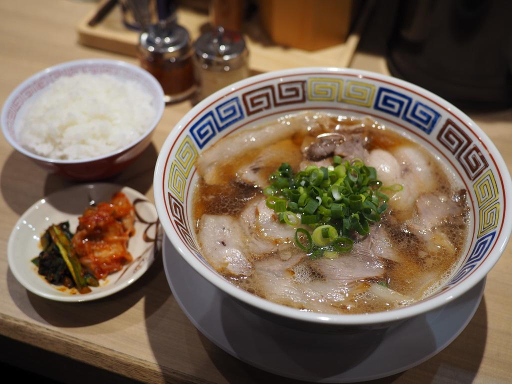 堂島地下センターにさらにパワーアップしたアキラ系が食べられるカドヤ食堂がオープン! 北区堂島 「カドヤ食堂 西梅田店」
