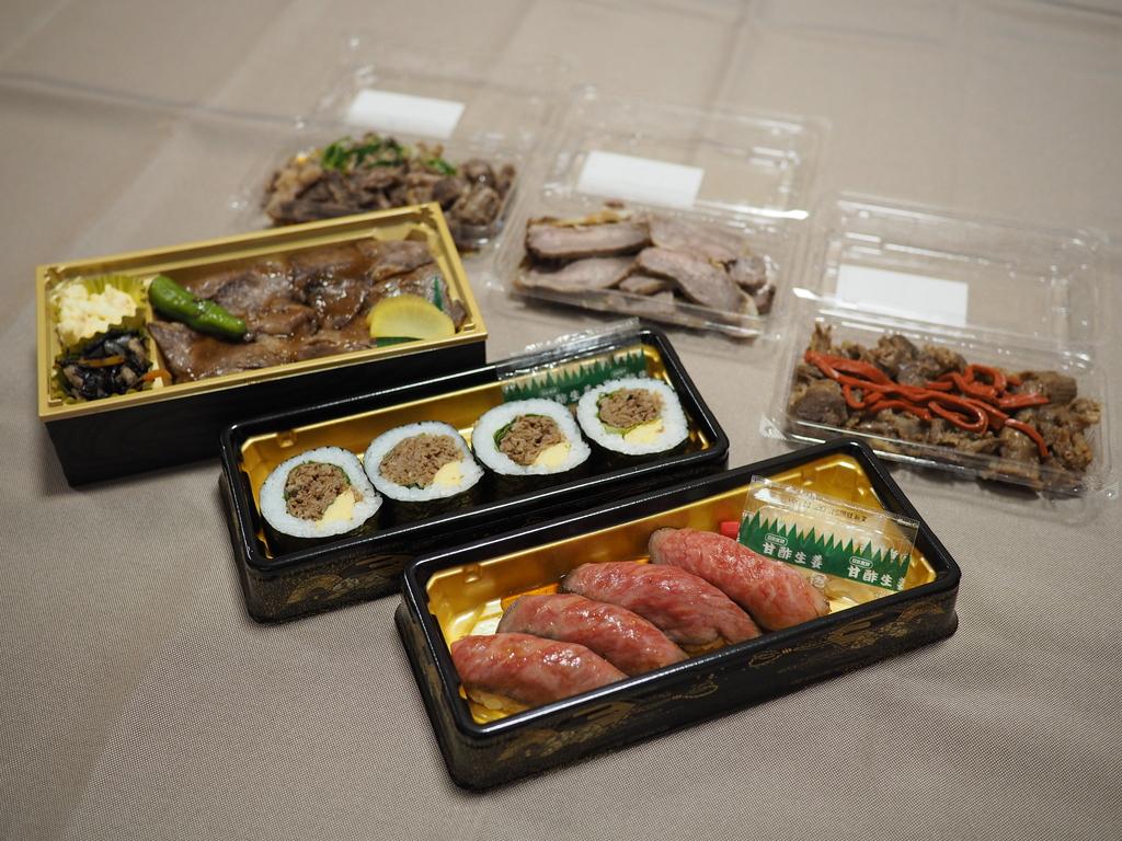 近江牛の中でも最高級品質で何度も日本一に輝いた『近江亀井牛』のお寿司やお肉が期間限定でテイクアウトできます! うめだ阪急本店 「肉匠 煌」